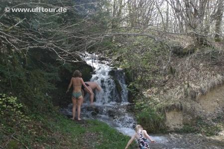 Duschen und Waschen im Bergbach