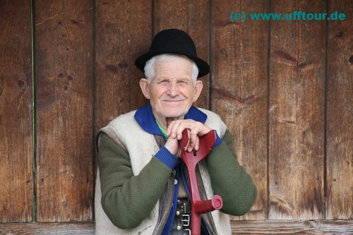 Iza-Tal - Freundlicher Mann in Glod
