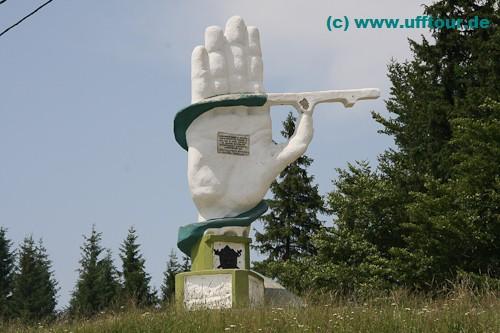 Denkmal am Ciumarna-Pass