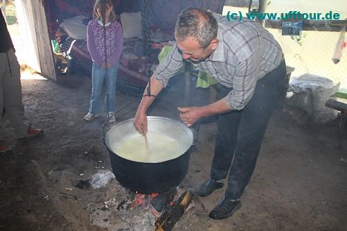 Die Milch wird gekocht